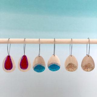 How to create dangle earrings using DecoArt Galaxy Glitter | DIY dangle earrings tutorial | jewelry making for beginners